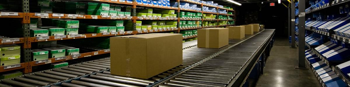 Logistics - conveyor belt with parcels